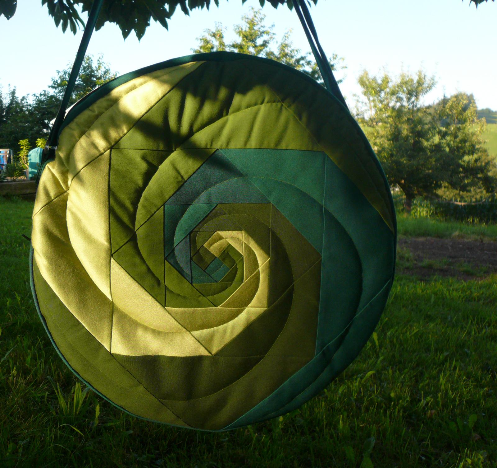Trommeltasche Spiralen gruen (25)   Trommelbau im Emmental