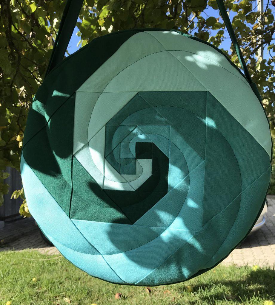 Trommeltasche Spiralen in grün und türkis