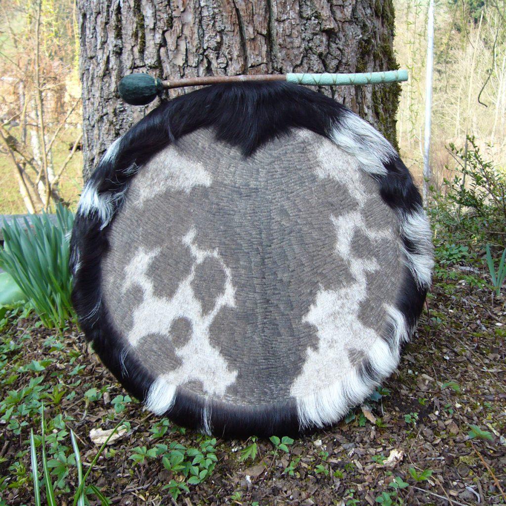 Schamanentrommel-aus-Ziege-schwarz-weiss-33.