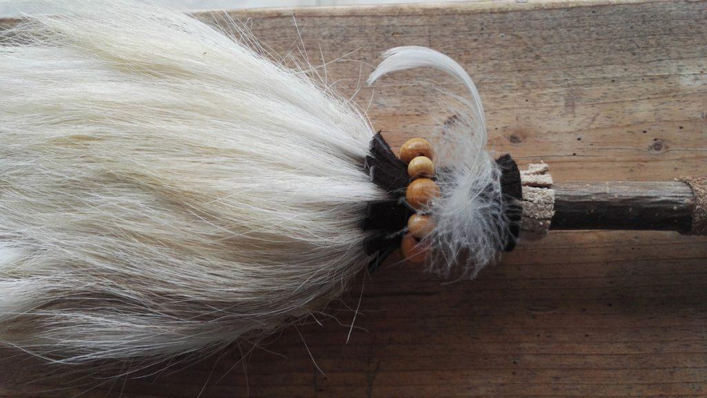 Schamanenrassel-aus-weisser-Ziege-855
