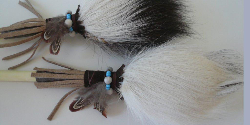 Schamanenrassel-Paar-aus Ziege-10